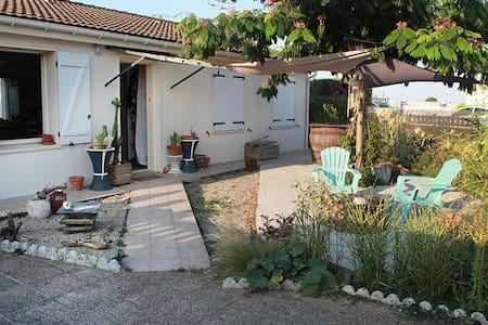 Chambre2p accueil agreable.entre Niort La Rochelle - Mauzé-sur-le-Mignon - Ev