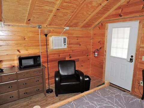 Silver Top Cabins at the Tellico Overlook Cabin 3
