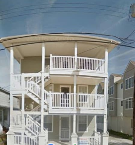 Family rental 2 blocks from boards - Wildwood - Apartment