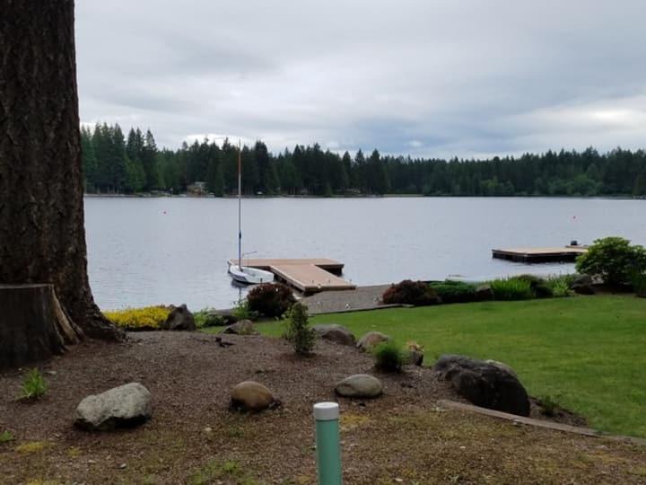 Lake Limerick Lakeside Apartment