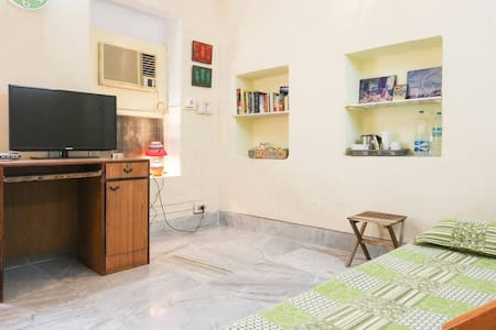 Spacious, Superb Location, Incredible Amenities - Kalkuta