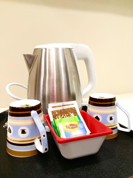 免費提供熱水壺及茶包! Complimentary hot drinks for you!