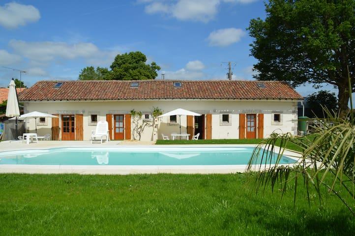 Romantic, idyllic hideaway at La Vieille Gorce