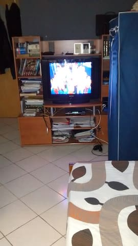 sweet bedroom and living room near to the beach - Salé - Apartmen