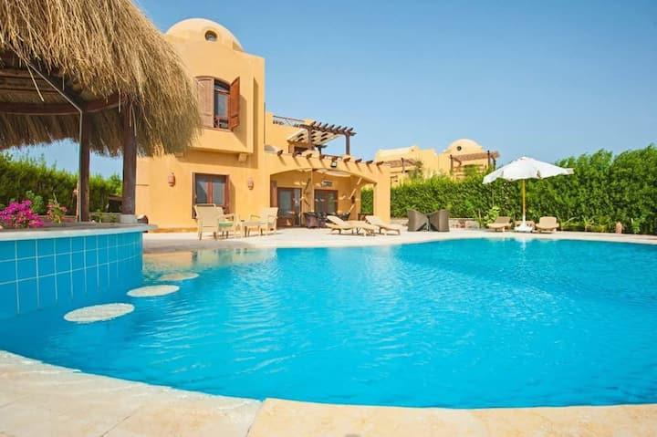 3Bedroom villa+nanny room with heated pool ElGouna