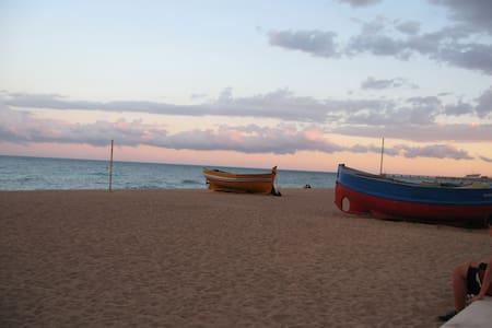 Casa-Estudio cerca playa - Badalona