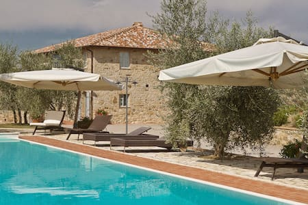 Restored panoramic country house with pool - Villa A Sesta