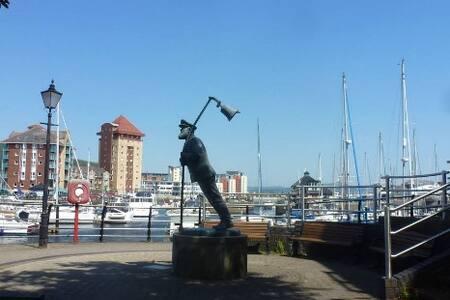 Captains Corner - Swansea