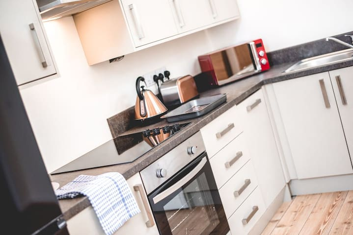 Spacious 1 bed serviced apartment #06