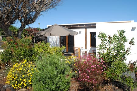 Precioso apartamento con jardín. Tinajo Lanzarote.