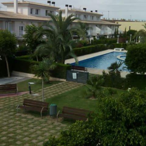 Habitación con vistas a zona ajardinada - San Antonio de Benagéber