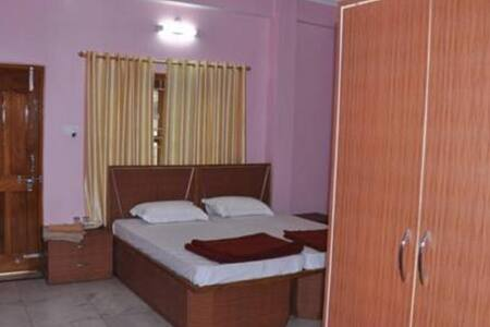 Adequately Furnished Homestay near JHV Mall - Varanasi - Guesthouse