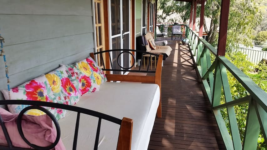 3 bed 2 bath awesome views in town! Easter Break! - Toodyay - บ้าน