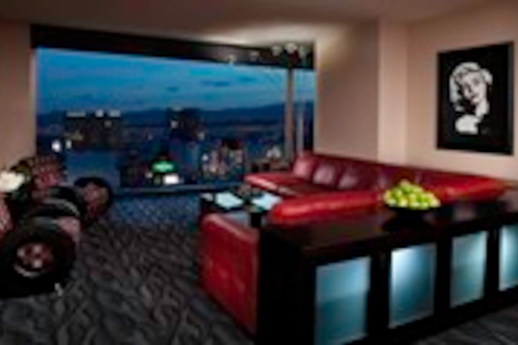Breathtaking views from one bedroom grand suit!