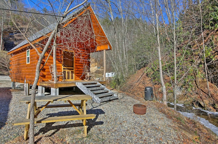 Silvermine Creek Tiny Home w/ Grill & Fire Pit!