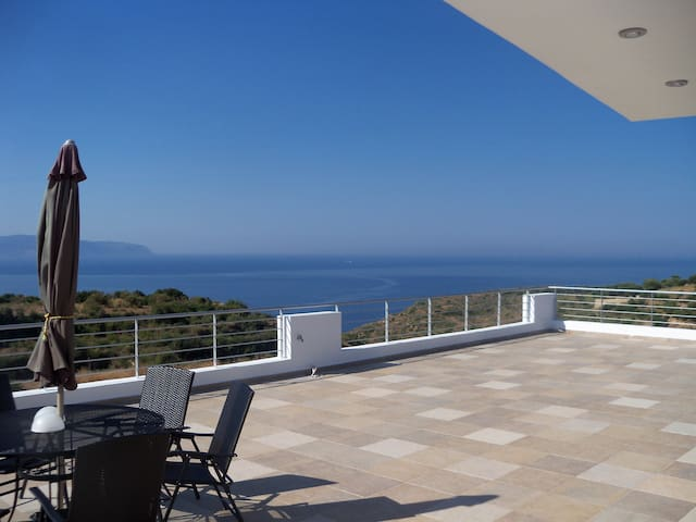 M&T  SEA VIEW VILLA  360 - Mavrata - Guesthouse
