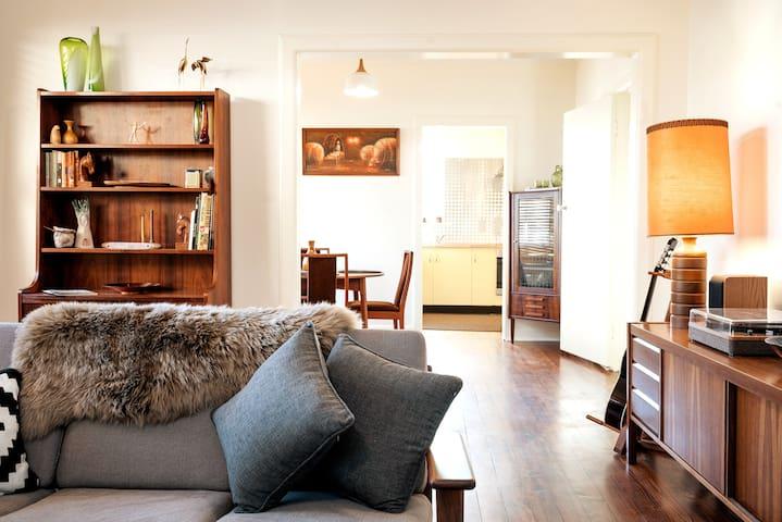 Retro Style | Adelaide Hills