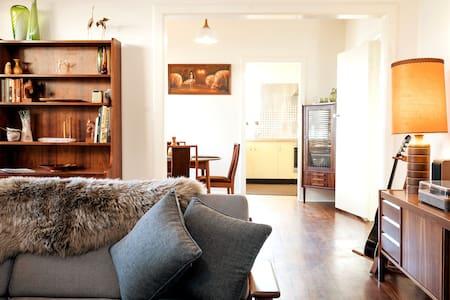 Retro Style   Adelaide Hills & Eden Valley.