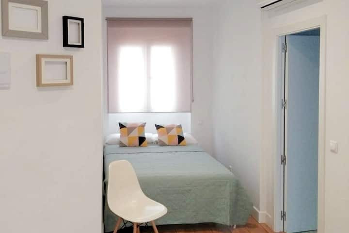 Smile & Co Hostal Alicante: Doble 135 economy
