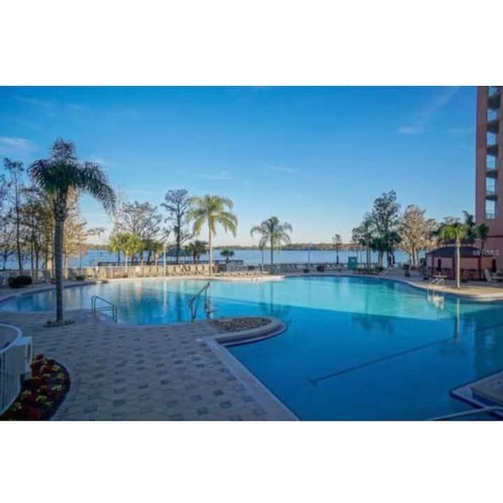 Orlando best location condo, one mile to Disney