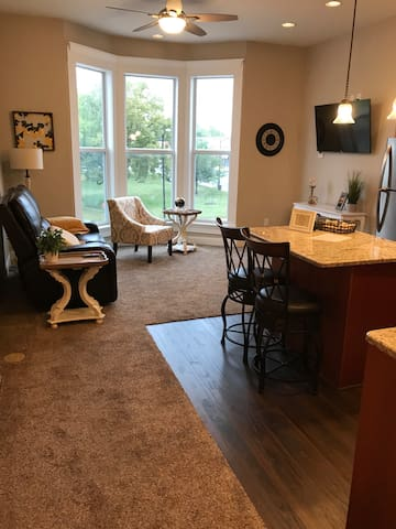 Experience the Lofts-Henderson Suite
