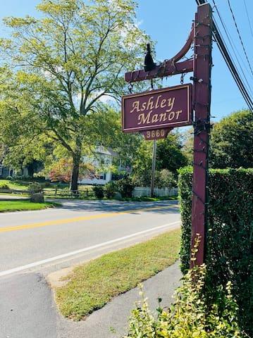 The Ashley Suite - Ashley Manor