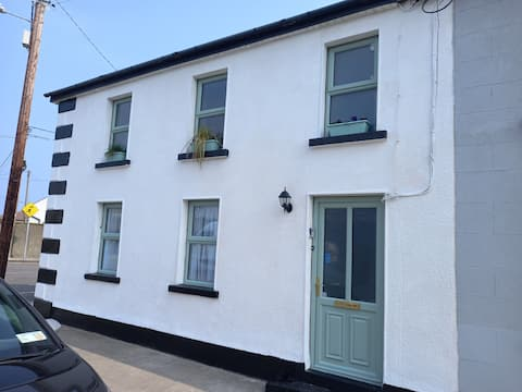 3 bed corner terrace house by the sea Wicklow town