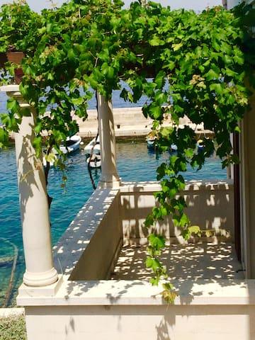 Villa Vincencia app 4, island Mljet - Kozarica - Apartemen