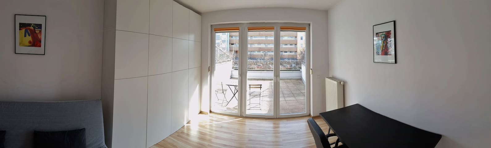 Spacious apartment. Large TERRACE. Well commuted. - Wrocław - Apartment