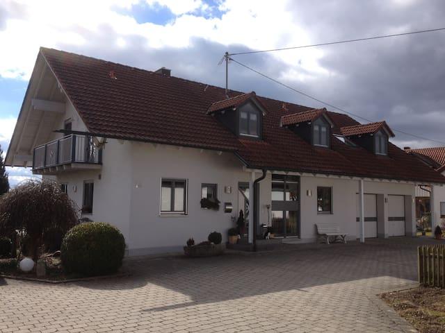FeWo Hobmaier  in der Nähe  Erding u. München - Forstern - Pis