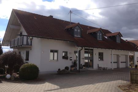 FeWo Hobmaier  in der Nähe  Erding u. München - Forstern - Wohnung