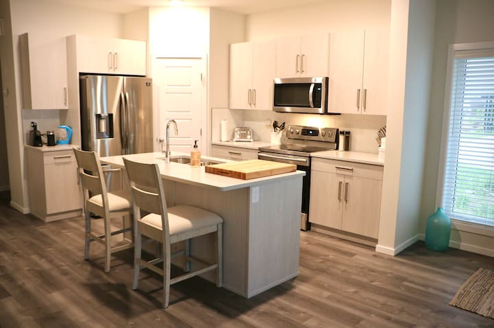 Gorgeous New 3 BedroomTownhouse in West Lethbridge