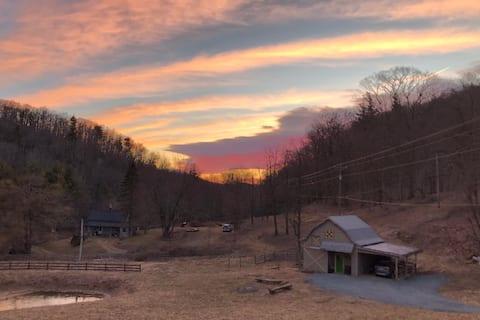 Spencer's Barn - Between Boone & Blowing Rock