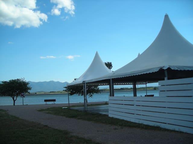 Collocation villa 3 chambres au bord du lac - Villeneuve-de-la-Raho - House