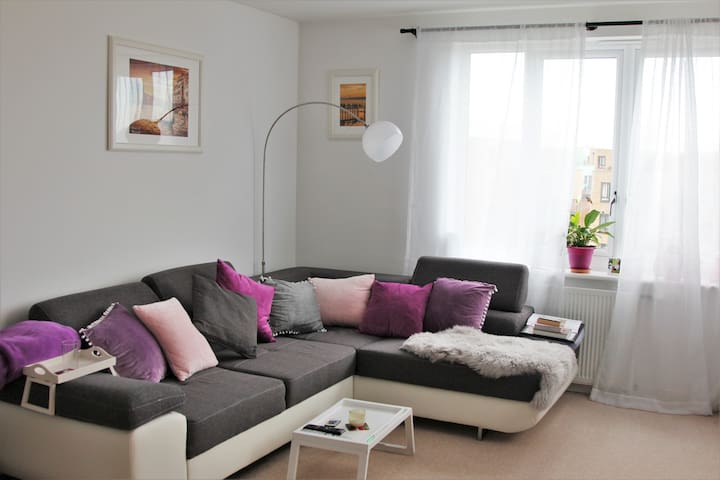 Spacious Modern Double Room with Private Bathroom