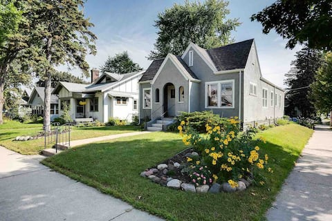 Charming Stay near the Mall of America!