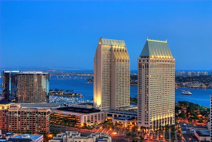 Luxury Condo, Downtown San Diego, Marina District