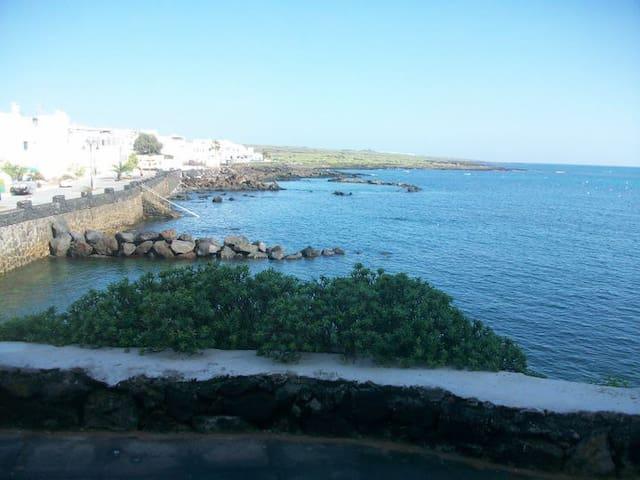 Casa en primera linea de mar con vistas
