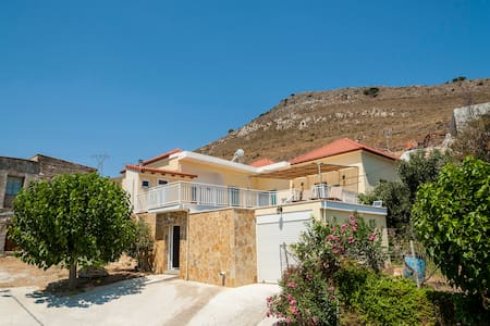 Keep calm and go to Crete cousy house in Kolymvari