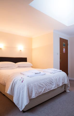 Trewern Arms country inn - double room
