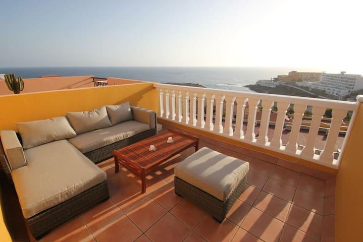 Sehr schönes Reihenhaus mit herrlichem Meerblick - Callao Salvaje - Wohnung