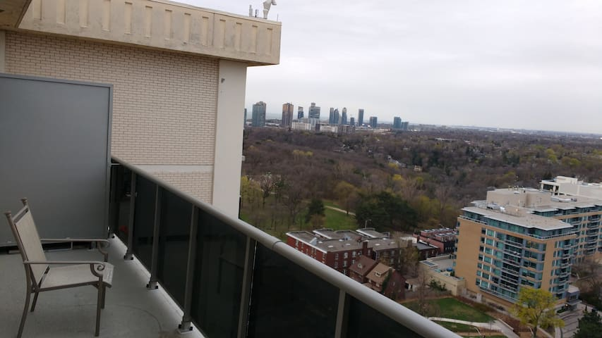 Gorgeous Sunset View - High Park, Lake, Convenient - Toronto - Apartment