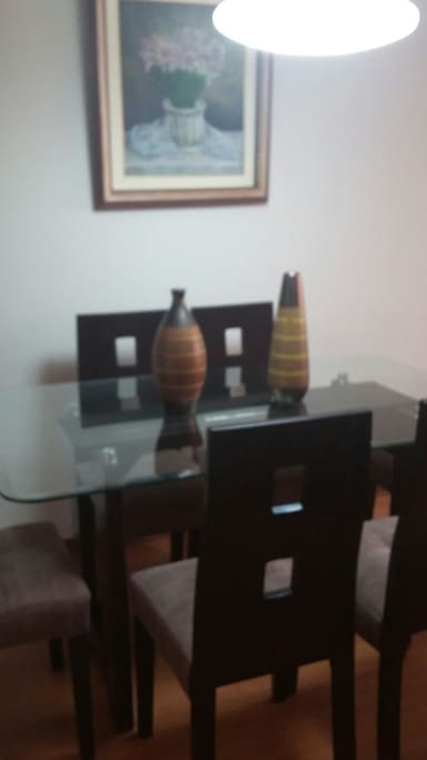 Mesa del comedor.