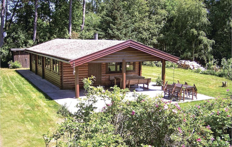 Holiday cottage with 2 bedrooms on 68m² in Vig