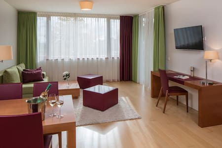 Wellness-Golfappartement Anlage mit 3Thermalbecken - Appartement