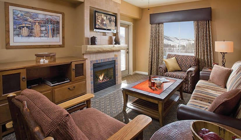 Condominium Resort - 1 bedroom w/ full kitchen