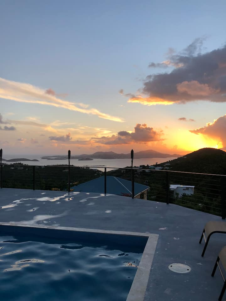 1BR villa * Amazing ocean views and pool!