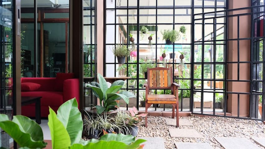 Chill hotel in Chang Khlan area, got all facility - Chiang Mai - Adosado