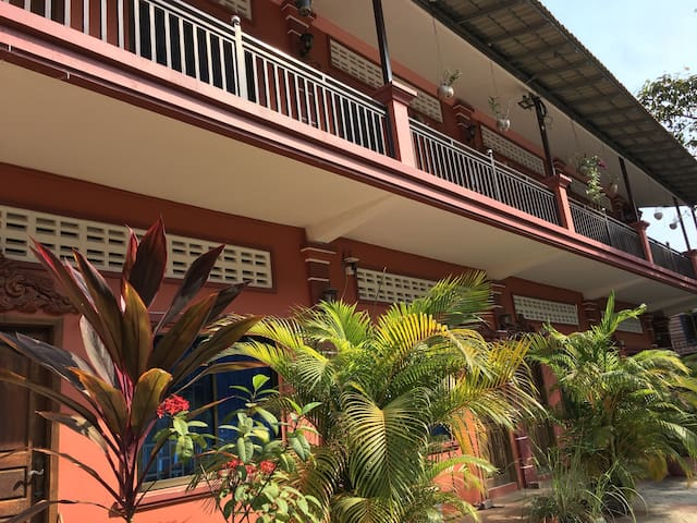 Raining House Apartments 2 with AC - Krong Siem Reap - Leilighet