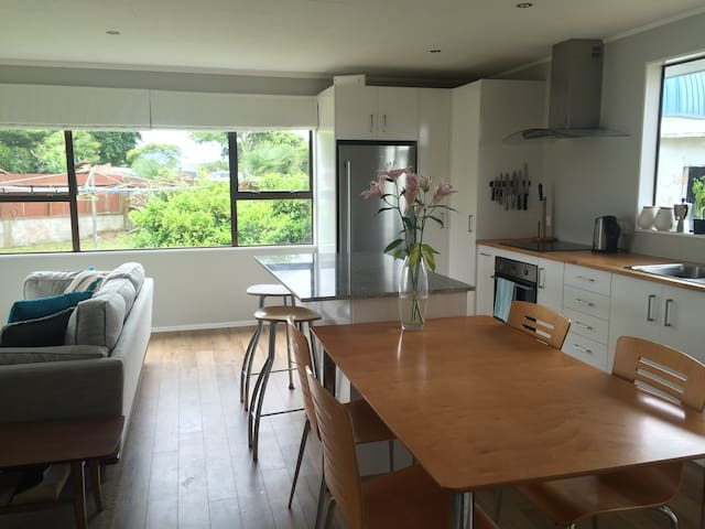 Close to Airport - Inside Room - Auckland - Huis